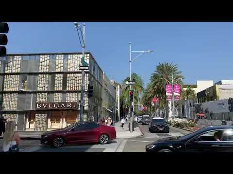 It's a gorgeous day in Beverly Hills, CA 90210 on Rodeo Drive - Christophe Choo